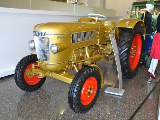 Jubiläums Traktor 100000 er Besuch in Marktoberdorf