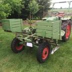 GT 230 mit halbautomatischem Kartoffelleger, war gerade im Einsatz