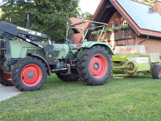 Fendt Favorit 10S mit Claas Markant 65