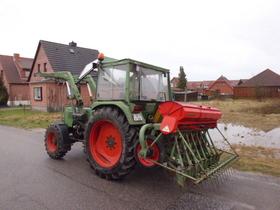 Farmer 103 SA mit Nodet Drillkarre
