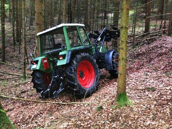 Fendt Farmer 308 LSA - Der neue ist eingetroffen. Die erste Testfahrt im Wald 2
