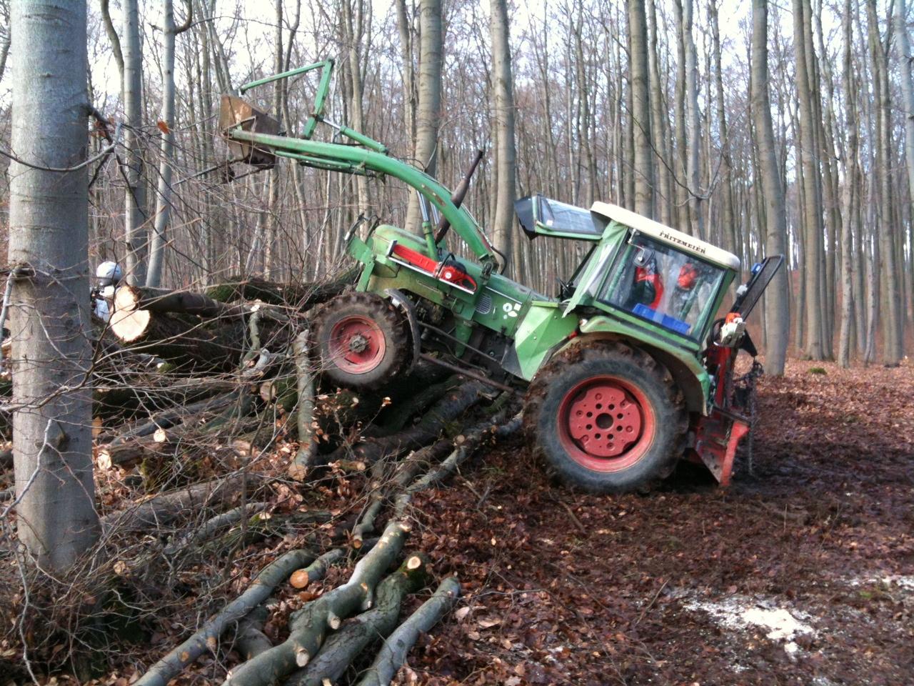 farmer 3s beim brennholz machen - fendt oldtimer forum
