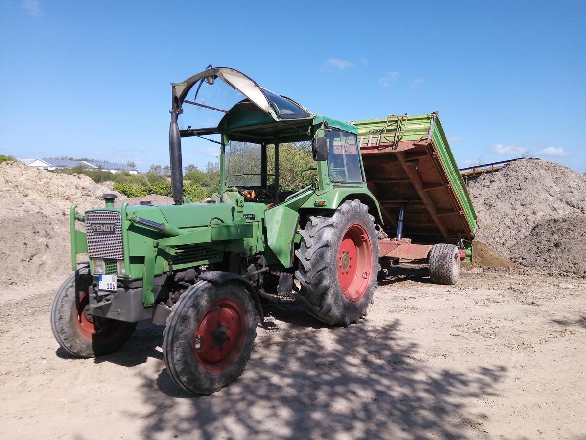 Farmer 106, Strautmann Kipper
