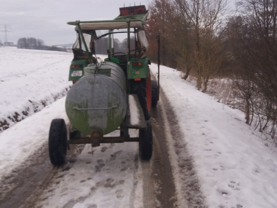 Fendt Farmer 2s Wasserfass fahren