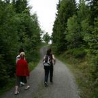 Wanderung mit Frau, Tochter und Schwiegermutter