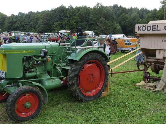 Waldenburg 2014 Dieselross F? Dreschmaschine