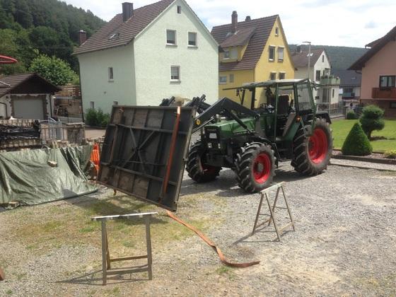 Fendt Farmer 308 LSA - Beim Hängerbau-2
