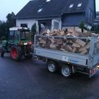 Fendt 200va beim Brennholz Transport