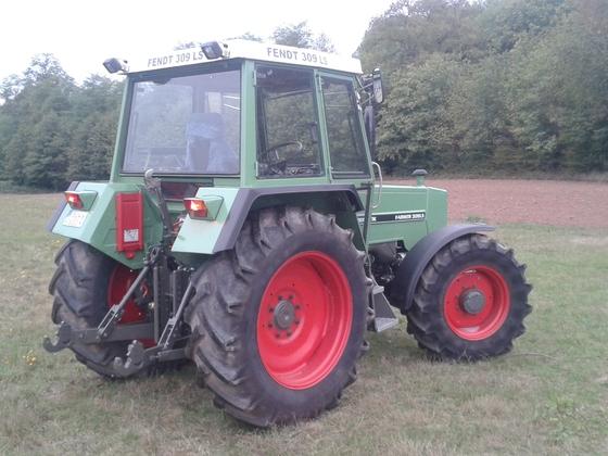 Farmer 309 LSA Ausfahrt