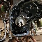 Einblicke unter den vorderen Motordeckel
