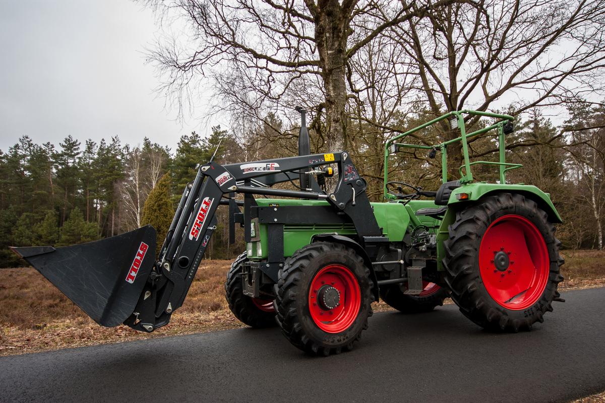 OldtimerPlus wurde im Jahr 2009 gegründet und ist mittlerweile einer der größten Kleinanzeigenmärkte für alte Traktoren Landmaschinen und Ersatzteile im Internet