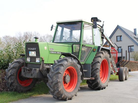 Fendt Farmer 306LS (Allrad) mit Rückewagen