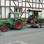 Farmer 104 mit Bandsäge
