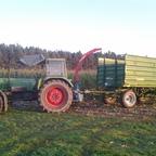 Fendt 610S mit Mengele MB 290 und Kone Kipper beim Mais häckseln